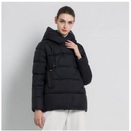 Женская зимняя черная короткая куртка KD050
